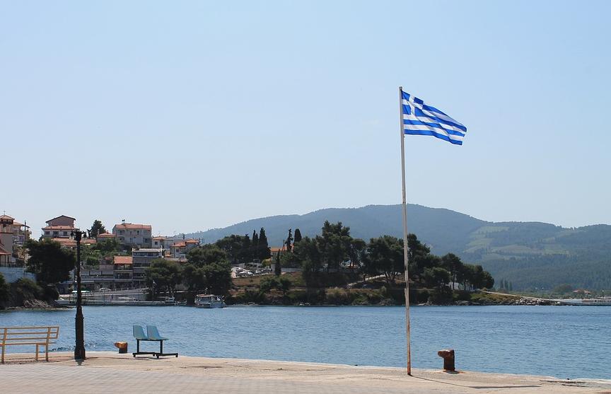 Греция с 4 мая снимает ограничения на передвижение граждан