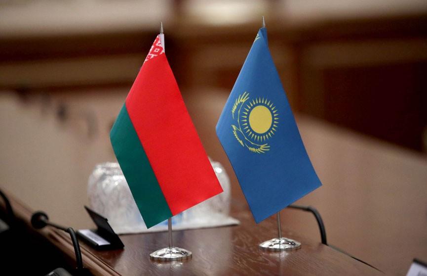 Лукашенко и Токаев обсудили по телефону ситуацию в странах и сотрудничество с Китаем и Россией