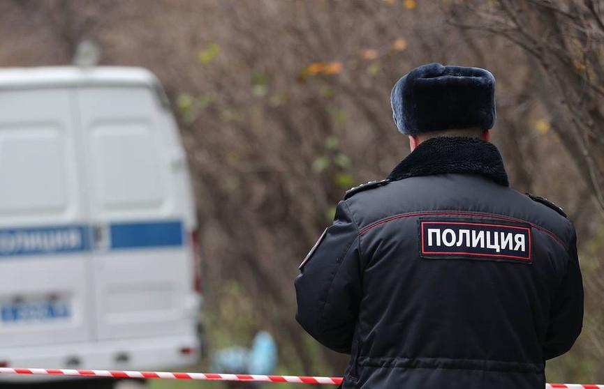 Мужчина ранил двух человек ножом в храме в центре Москвы