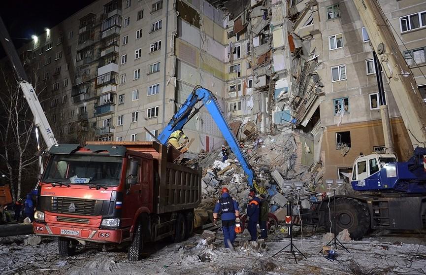 Число жертв обрушения подъезда дома в Магнитогорске увеличилось