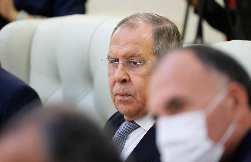 Сергей Лавров: надо твердо пресекать попытки вмешательства во внутренние дела стран СНГ