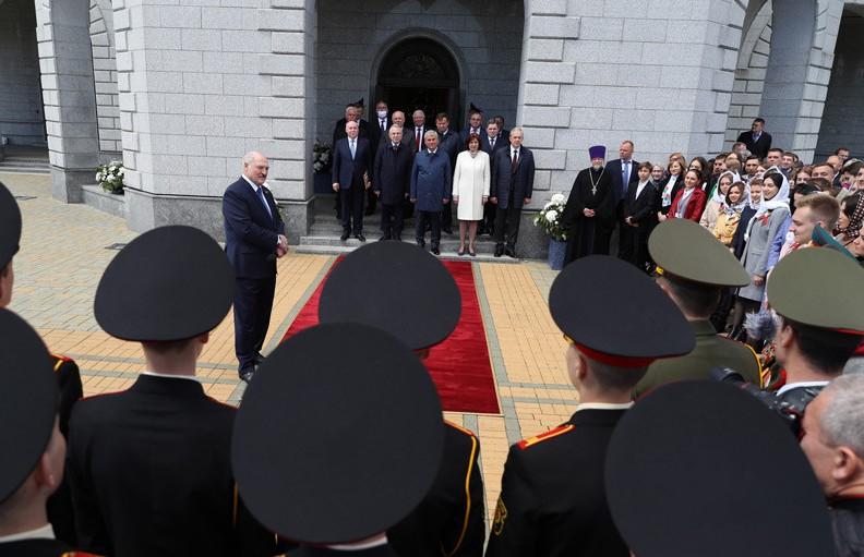 Лукашенко: празднование 75-летия Победы будет прекрасной страницей в истории Беларуси