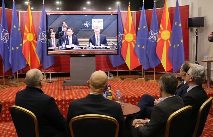 В штаб-квартире НАТО подписали протокол о вступлении в альянс Македонии