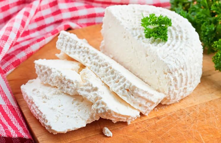 Сделала сыр дома – оказался лучше, чем из магазина! Уникальный рецепт от бабушки – готовится на раз-два