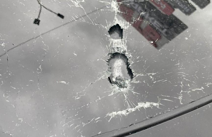 Автомобиль первого помощника Зеленского обстреляли неизвестные, водитель ранен