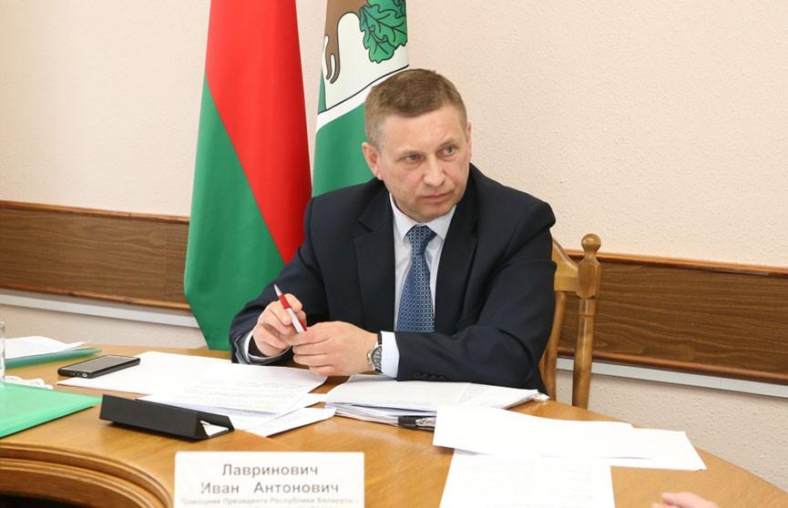 На прямой телефонной связи с жителями Ивьевского района сегодня был помощник Президента