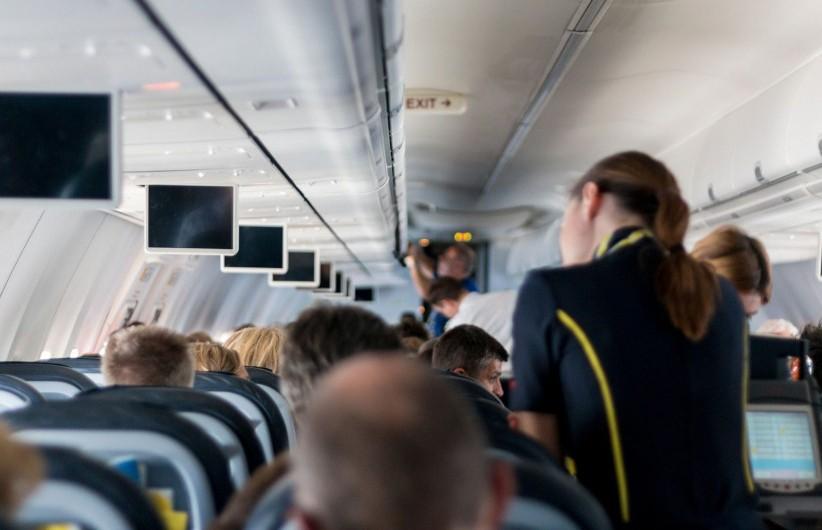Пьяная китаянка покусала стюардессу на борту самолёта