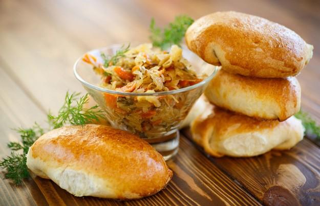 Вкусные пирожки с капустой: 7 секретов приготовления