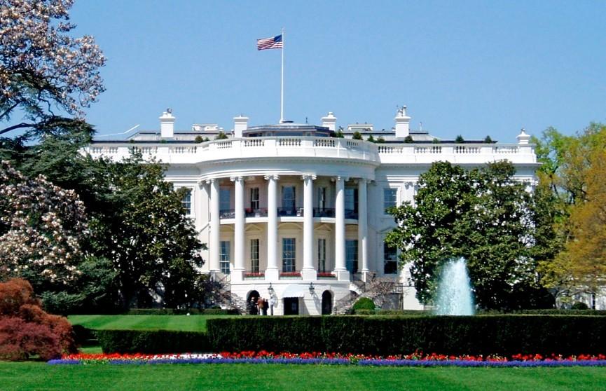 В Вашингтоне мужчина поджёг себя недалеко от Белого дома