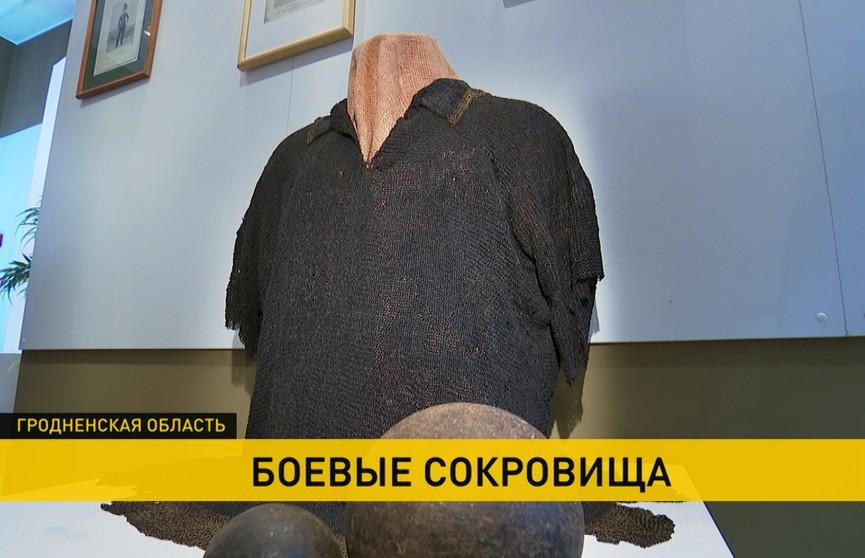 500-летнюю кольчугу представили в Ошмянском музее впервые после реставрации