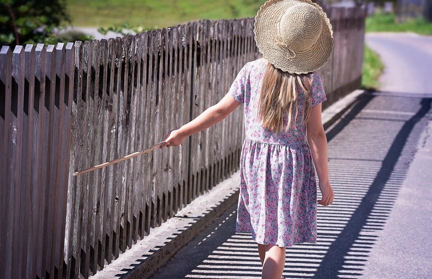 Храбрая сердцем: 5-летняя девочка сыграла с рысью в гляделки и выиграла