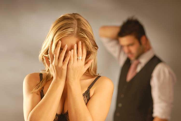 Парень показал, как раскрыл «измену» девушки по отражению в глазах