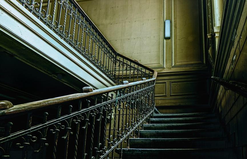 Что произойдет с организмом, если ежедневно подниматься по лестнице пешком? Результат поразит вас!