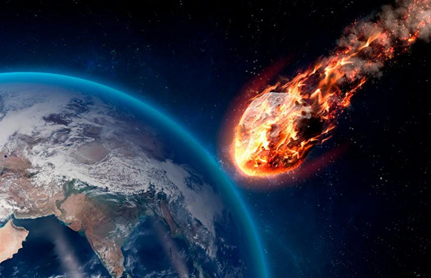 Астероид в виде маски мчится к Земле