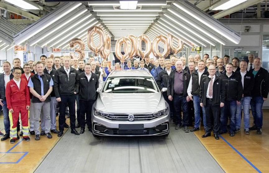 Volkswagen выпустил 30-миллионый Passat (Видео)