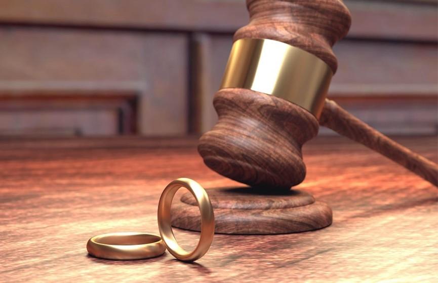 Женился, не приходя в сознание. В Кузбассе сотрудница ЗАГС зарегистрировала брак без согласия жениха