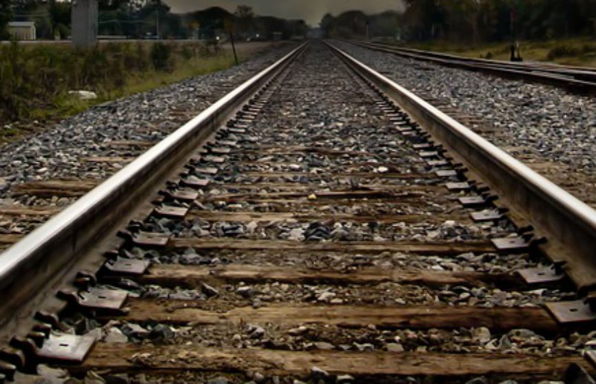 Грузовой поезд сбил мужчину в Бобруйске
