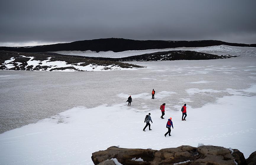 Активисты «похоронили» растаявший ледник