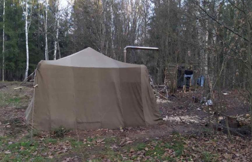 Семья с двумя детьми из-под Столбцов с сентября пряталась в лесу от COVID-19 и «чипирования»