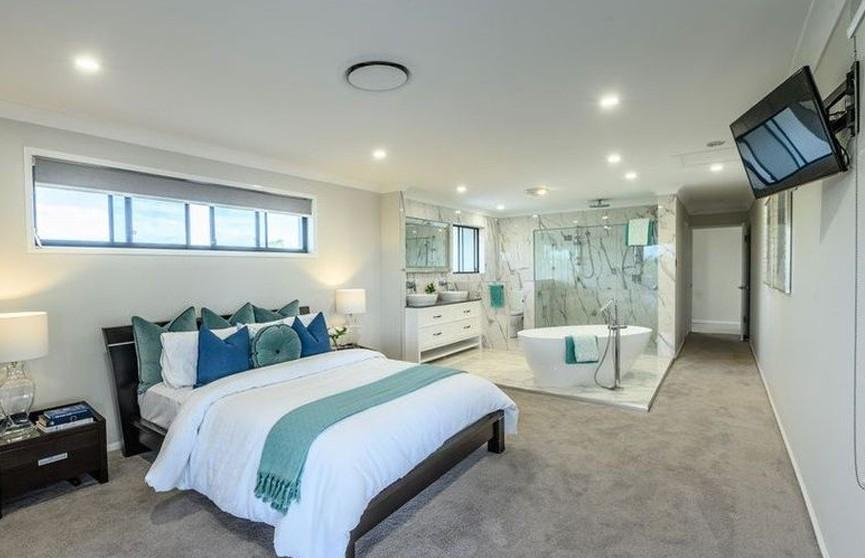 Австралиец убрал стены между ванной и спальней для укрепления отношений