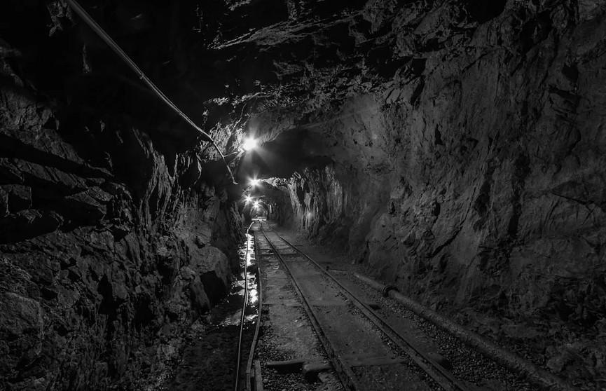 Девять человек погибли при взрыве шахты в Колумбии