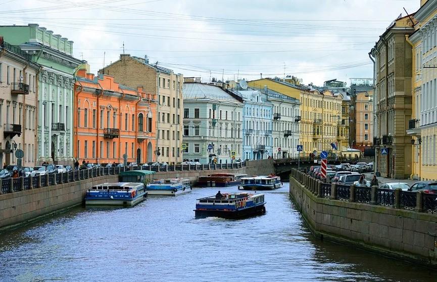 Из-за COVID-19 в Санкт-Петербурге с 13 июля вводят новые ограничения