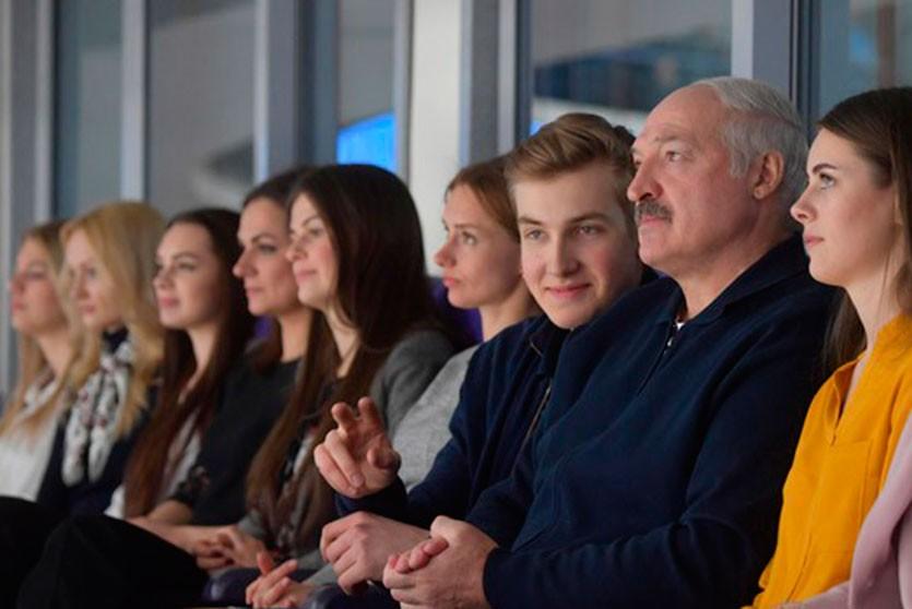 Каково проигрывать в хоккейном матче, когда на трибуне сидит Президент?
