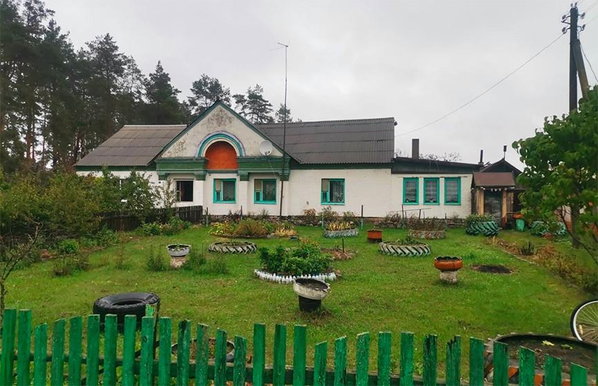 В Могилевском районе местные жители спасли пенсионера из горящего дома