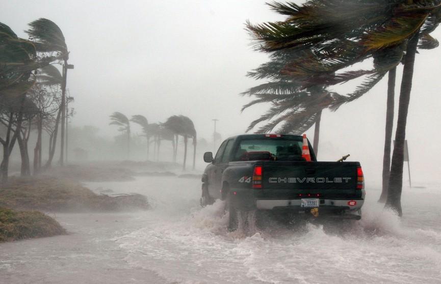 Страшно: видео урагана «Дориан» появилось в Сети
