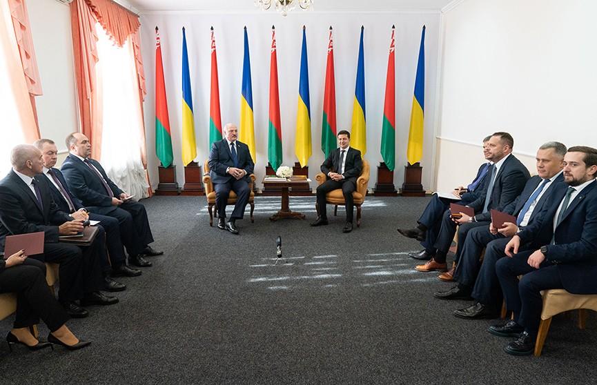 Более 40 контрактов на общую сумму в полмиллиарда долларов. Итоги II Форума регионов Беларуси и Украины