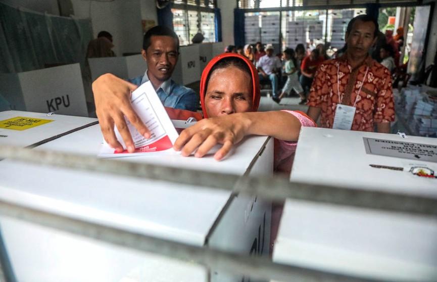 Количество погибших при подсчете голосов в Индонезии выросло до 272 человек