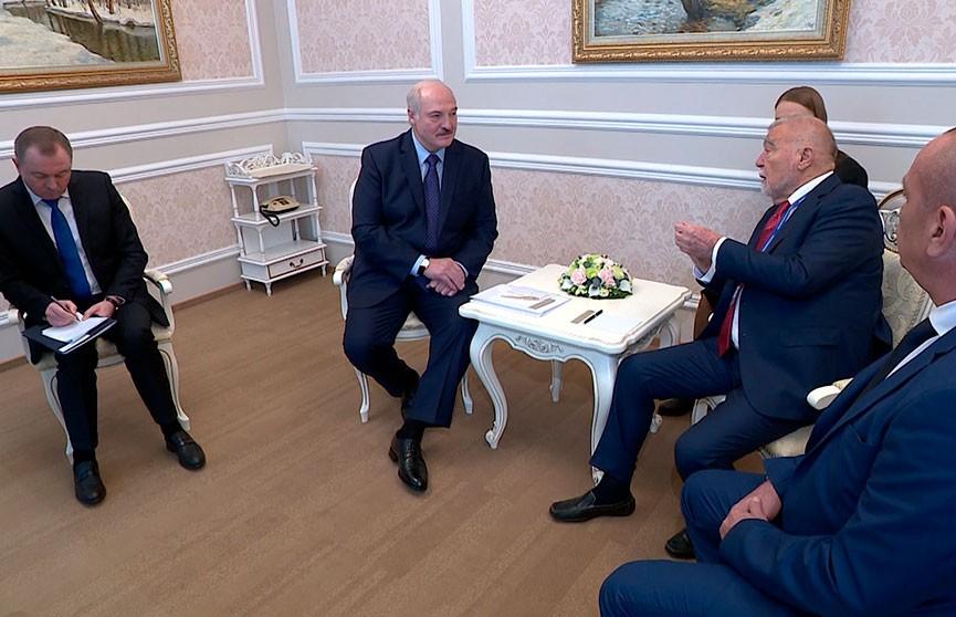 Лукашенко встретился с экс-президентом Хорватии Степаном Месичем