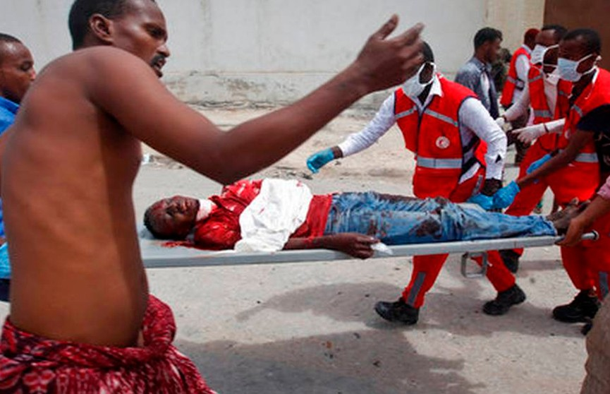 Начинённый взрывчаткой автомобиль взлетел на воздух в Сомали