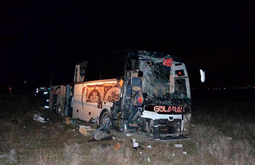 ДТП в Турции: более 40 человек пострадали