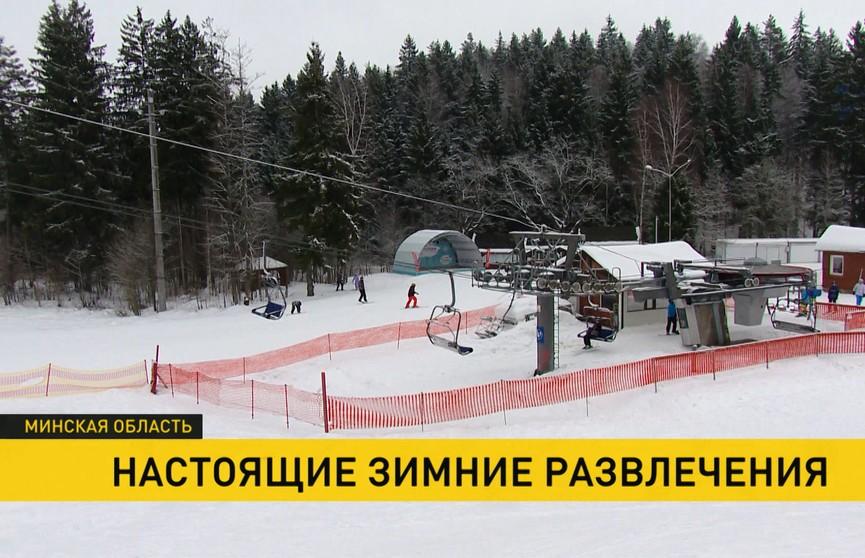 13 трасс, идеальный снег и большие очереди: как белорусы отдыхают в Силичах?