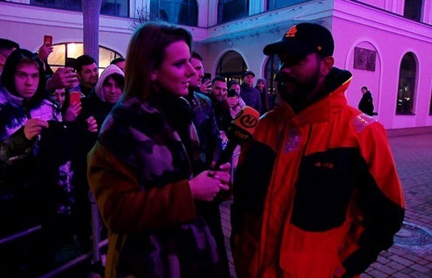 Тимати приехал в Минск и бесплатно раздавал бургеры