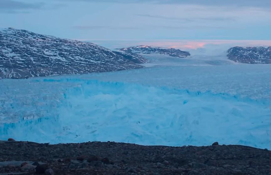 Гигантский айсберг больше Ватикана откололся от Гренландии