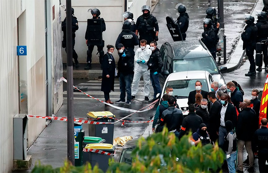 Стали известны мотивы нападения возле старого здания Charlie Hebdo