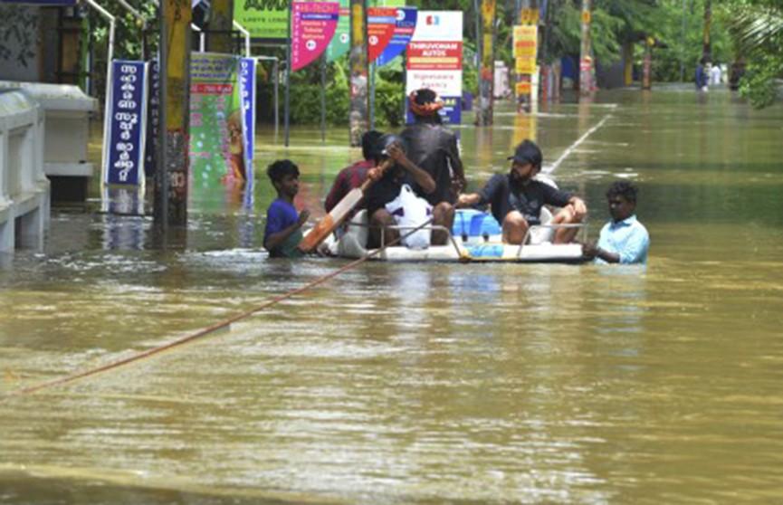 В Индии возросло число жертв сильнейшего за 100 лет наводнения