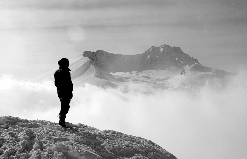 Альпинист сорвался с вулкана на Камчатке