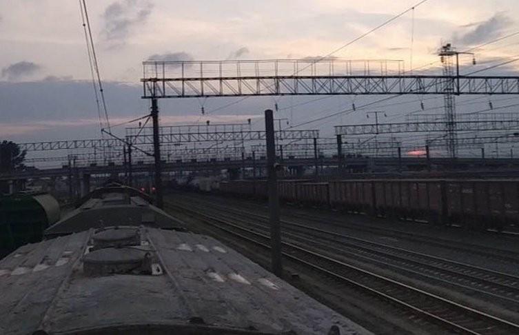 15-летнего подростка, который забрался на крышу вагона в Барановичах, ударило током