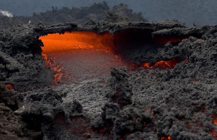 Увеличилось число жертв извержения вулкана в Гватемале