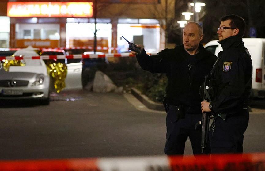 Стали известны мотивы мужчины, расстрелявшего людей в кальянных в Германии