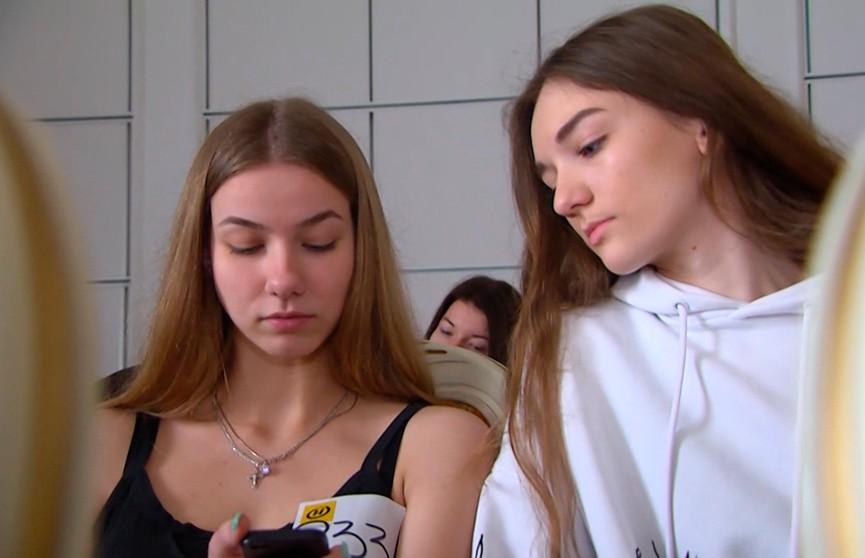 «Мисс Беларусь-2020»: чем девушки удивляли жюри на областном кастинге в Бресте