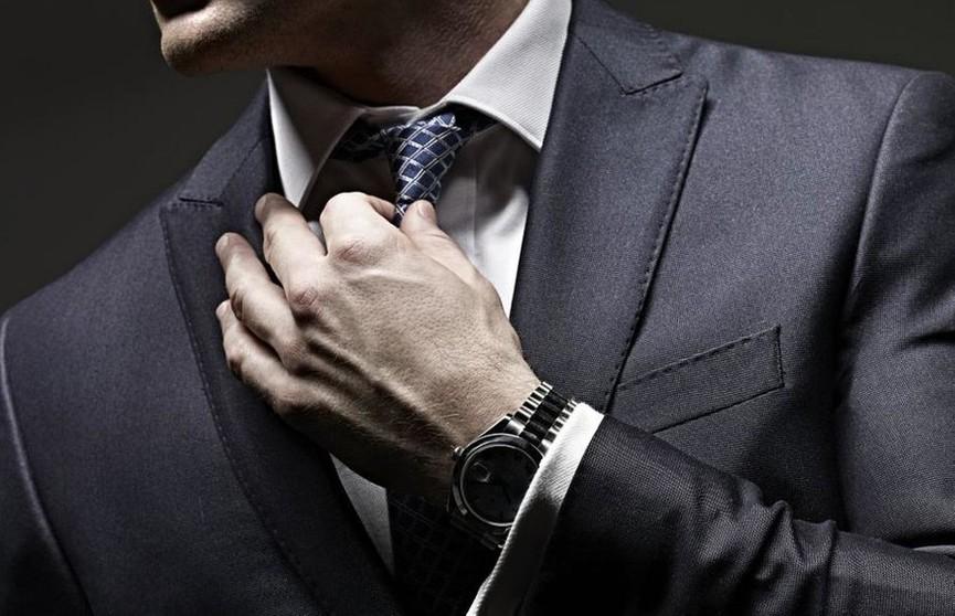 Что мужчинам нельзя хранить в карманах брюк?