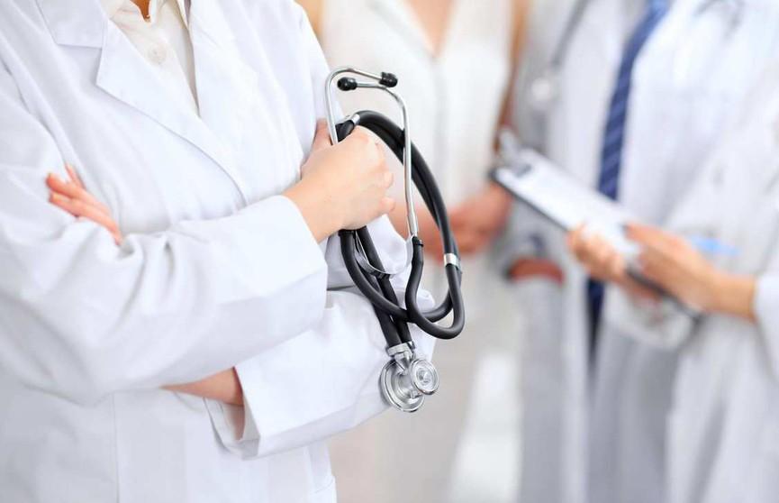 Лукашенко прокомментировал отток медиков из страны