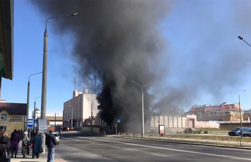 Спасатели потушили пожар в здании гродненской почты