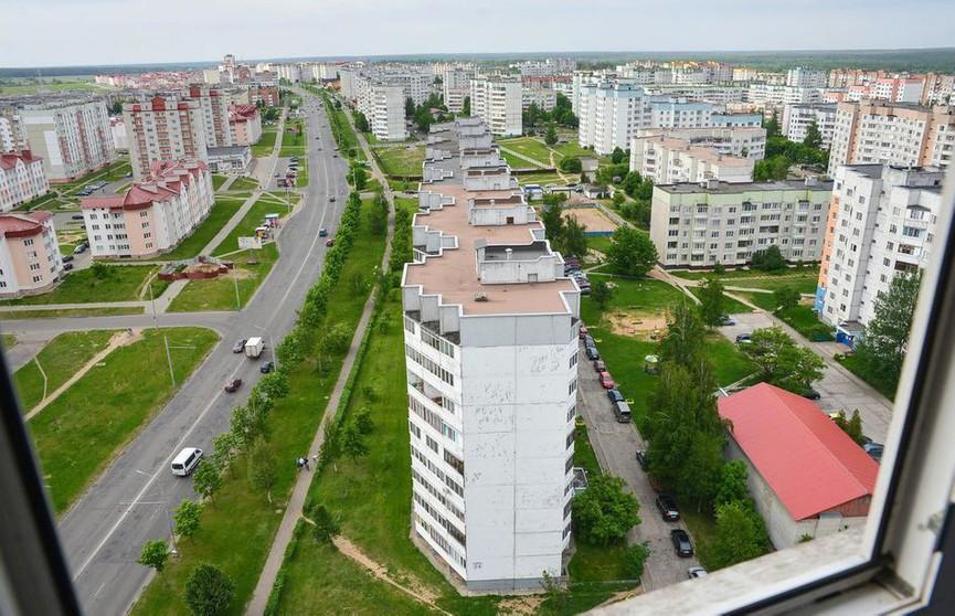 Парень упал с 18-этажки и разбился насмерть в Бобруйске