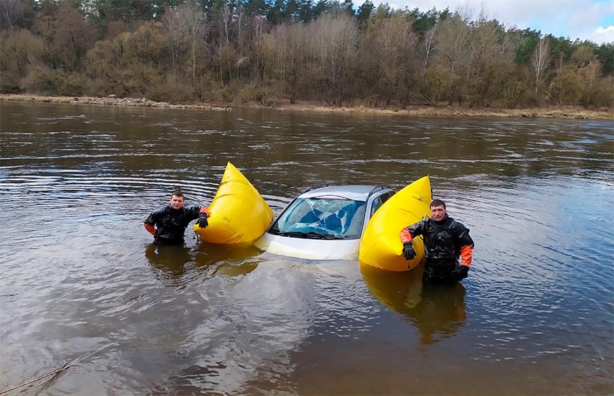 В Гродно спасатели вытащили из Немана утонувший Volkswagen