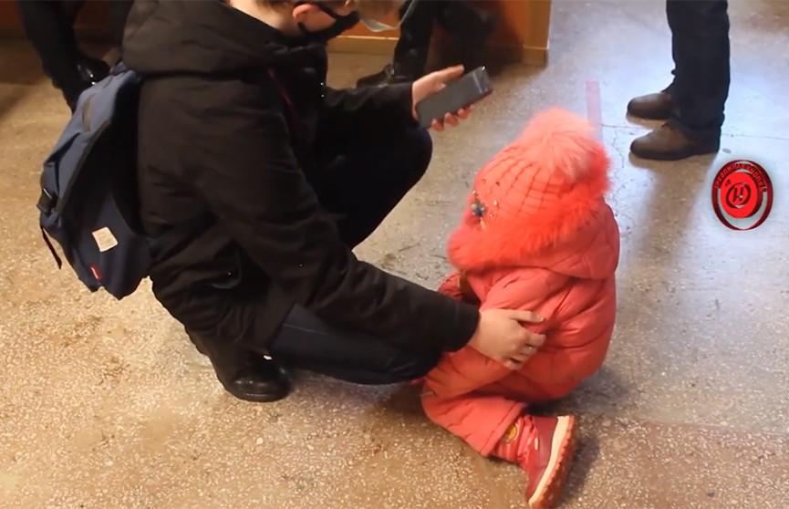 Пожарные расчеты, массовая эвакуация, паника и страх. Что случилось в одном из общежитий Витебска?